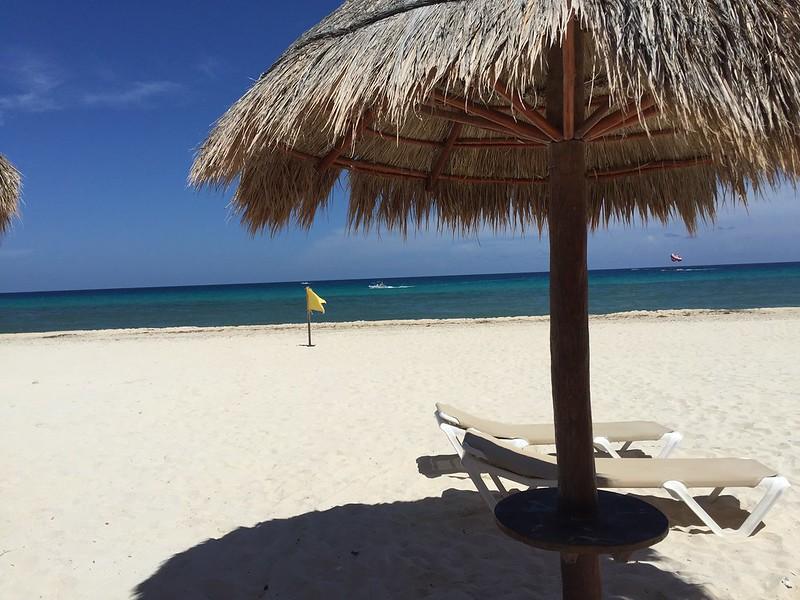 Bandera amarilla en Cancún