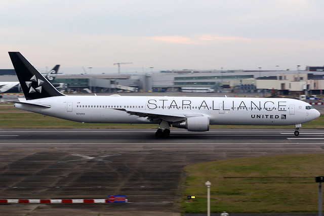 United Airlines | Boeing 767-400ER | N76055 | Star Alliance livery | London Heathrow
