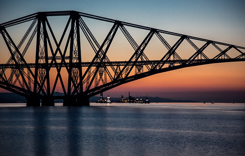 water sunrise canon landscape scotland waterfront fife forth redsky bluehour forthbridge riverforth waterscape railbridge eastlothian autofocus 24105 105mm fifecoastalpath fifecoast grantmorris grantmorrisphotography