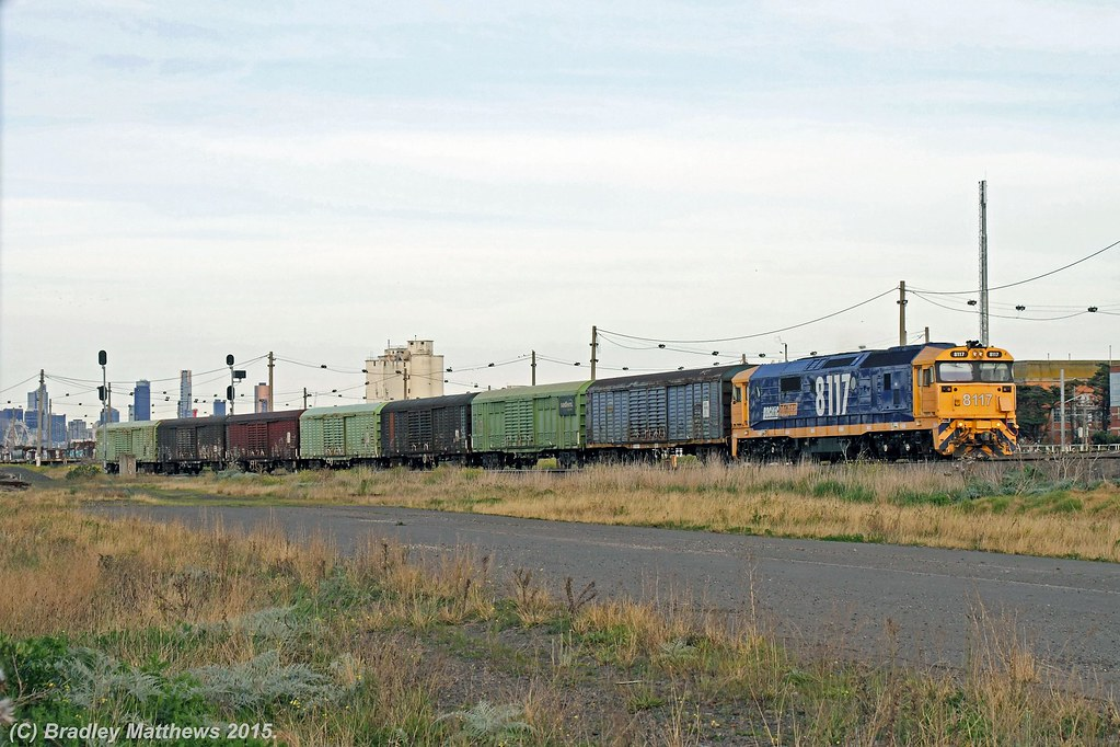 8117 with 9783V down PN Sadleirs transfer to Spotswood at Tottenham (11/9/2015) by Bradley Matthews