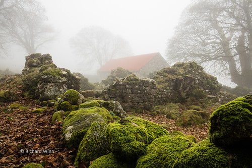 Emsworthy Barn   by Kernuak (avalonlightphotoart.co.uk)