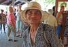Gina ist die Schwester des im Dorf bekannten Pischta und spricht als letzte Roma perfekt billedrisch. Sie ist eine der Wenigen die im Dorf geblieben sind und war bei den Veranstaltungen stets in eleganter Garderobe mit dabei.