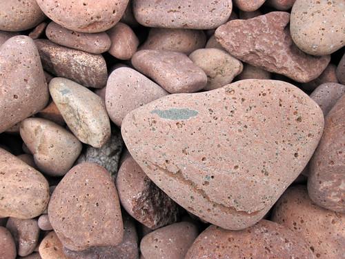 Lakeshore beach gravel (upper Holocene; derived from the Split Rock intrusive felsite, Proterozoic; Iona's Beach, northeastern Minnesota, USA) 13 | by James St. John