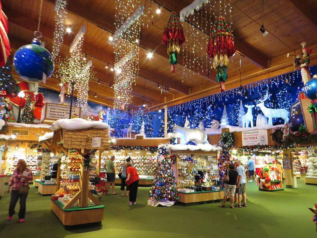 Bronners Christmas.Bronners Christmas Wonderland Frankenmuth Michigan Flickr