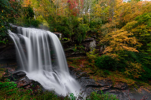 autumn mountains fall nature leaves landscape waterfall highlands northcarolina dryfalls cullasajariver