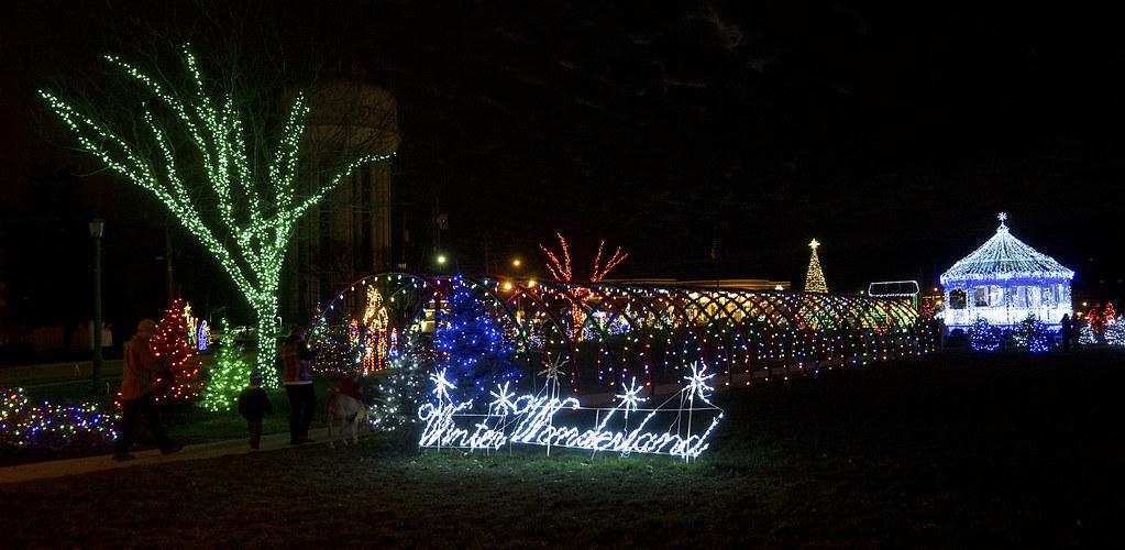 Strongsville Christmas Lights 12 24 2015 40