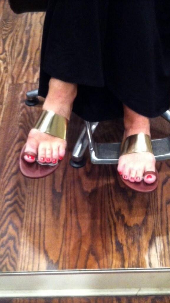Lori Greiner Feet
