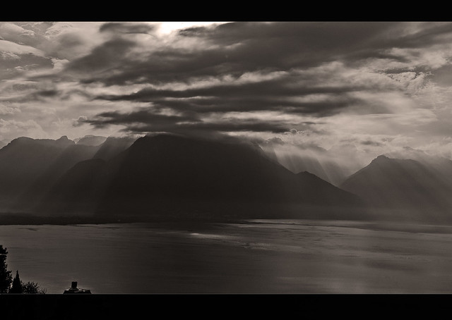 Golden Pass Express, a view to France and Lac  Leman . No. 4624.