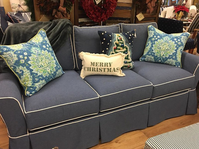 Stop by for great floor model sales, including this new #slipcoveredsofa! Enjoy free local delivery in time for the holidays. #belltower #lakehouseliving #indoorfurniture #shoplocal #richland #kalamazoo #battlecreek #fourseasonsfurniture #sunbrellafabric