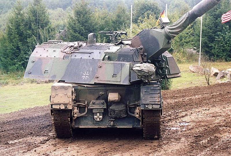 Panzerhaubitze 2000  9