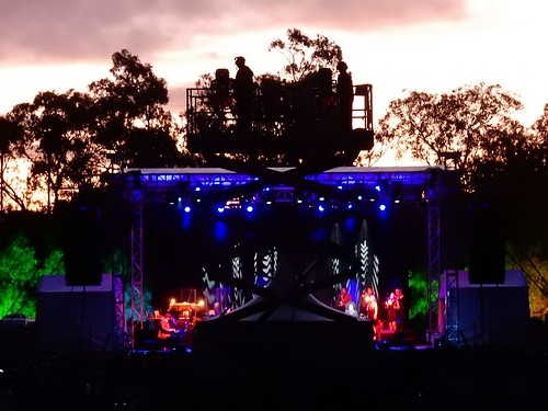 sunset silhouette lights concert stage platform illumination winery vanmorrison cameraman scissorlift seppeltsfield