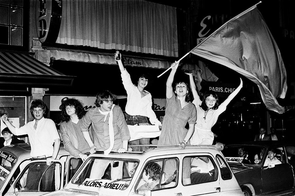 Liesse populaire après la victoire de François Mitterrand aux élections présidentielles (10 mai 1981) - Paul de Busson
