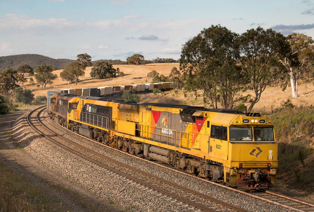 6021, LDP004 and LDP009 on 6BM7 at Cullerin by AaronHazelgrove01