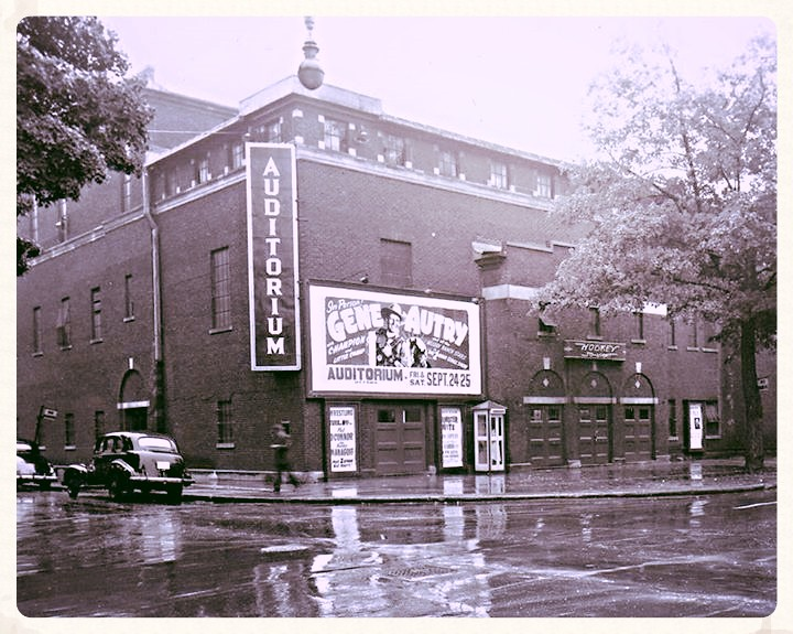 Ottawa Auditorium ca. 1954 | This building was located on th… | Flickr
