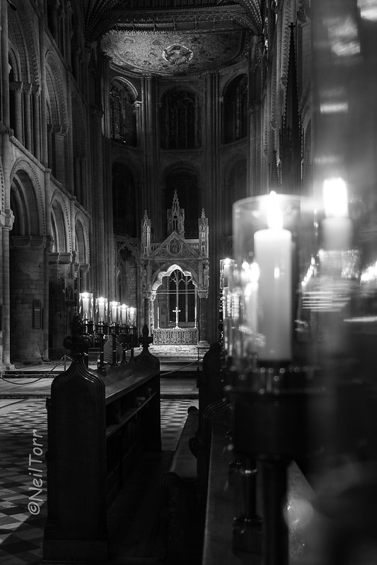 2016-10-18 Pboro Cathedral Candles 022 copy b+w sig