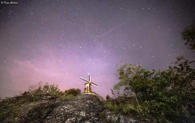 Il Mulino di Forno Canavese sotto una mare di stelle (una cadente)