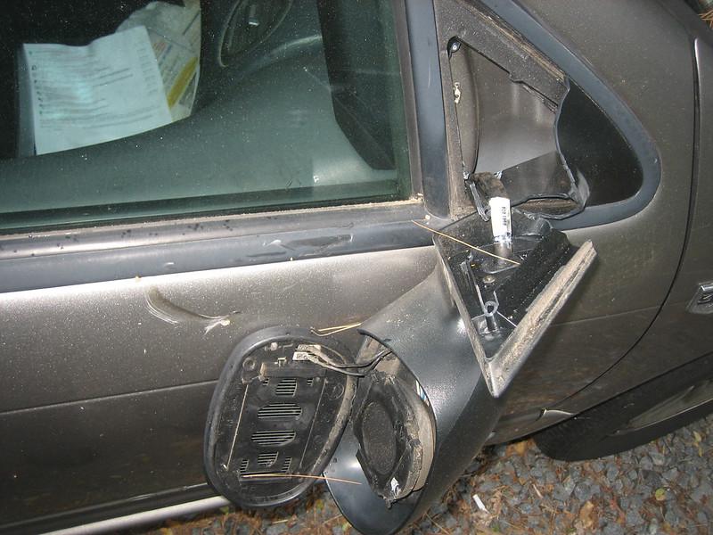 20130506 - Clint's car - vandalism - 00 - mirror, door - IMG_5166