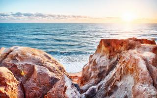 Amanhecer na Praia das Fontes | by tarsobessa