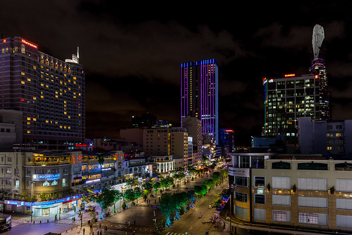 hochiminh saigon vietnam ciudadhochiminhsaigã³n há»chãminh vn night lights city cityscape nocturna rexhotel bitexcotower