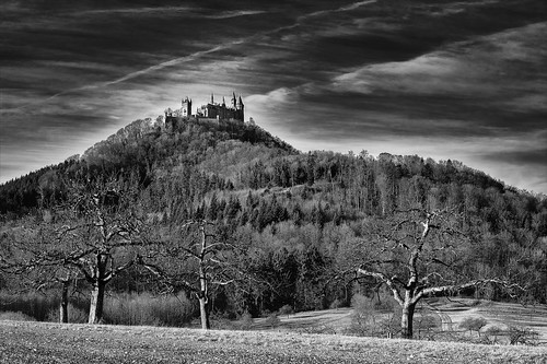 burghohenzollern hohenzollerncastle hohenzollern castle badenwürttemberg germany deutschland landscape landschaft panorama paysage paesaggio natur nature wvons werner 2017 sony sw blackwhite schwarzweis bw monochrome monochrom berg mountain outdoor highcontrast hechingen skancheli gallmese burg blackandwhite