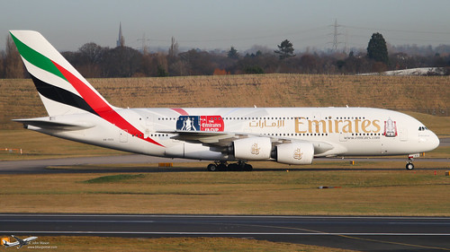 <p>'The Emirates cup' logo jet</p>