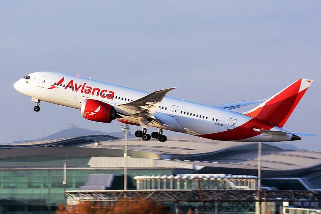 AVIANCA N784AV BOEING 787-8 DREAMLINER BCN/LEBL