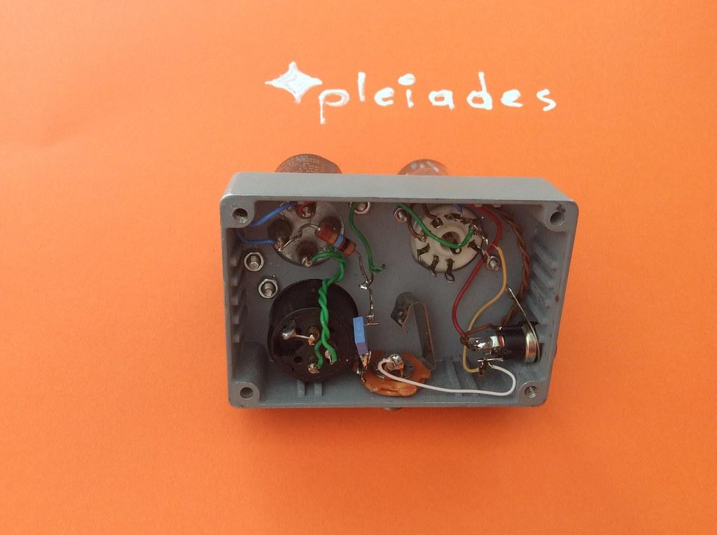Pleiades positive biased ECC82 12V battery electron tube m… | Flickr