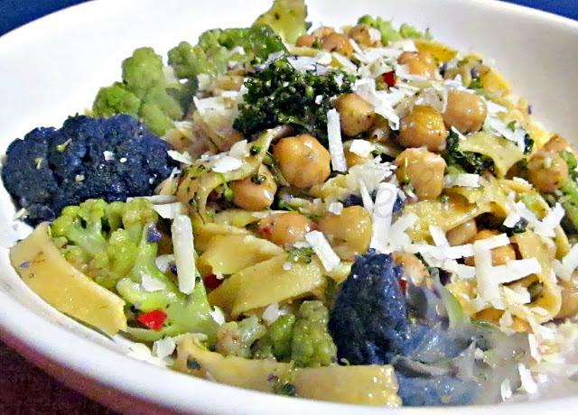 Chickpea-Garlic-Pasta-edit