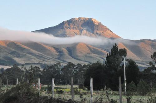 corazónvolcano corazón volcano volcancorazón clouds sunrise alpenglow landscape chuquiragualodge avenueofthevolcanoes ecuador southamerica mountains andesmountains