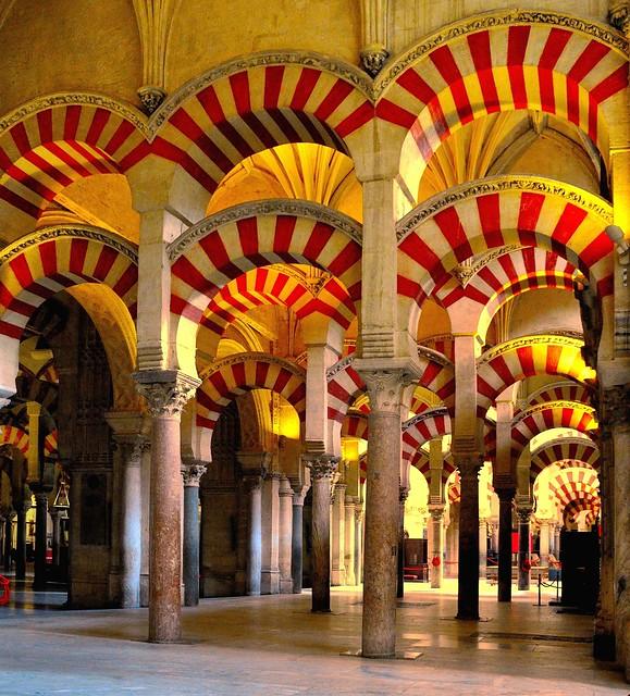 Córdoba : La Mezquita : Forest of pillars