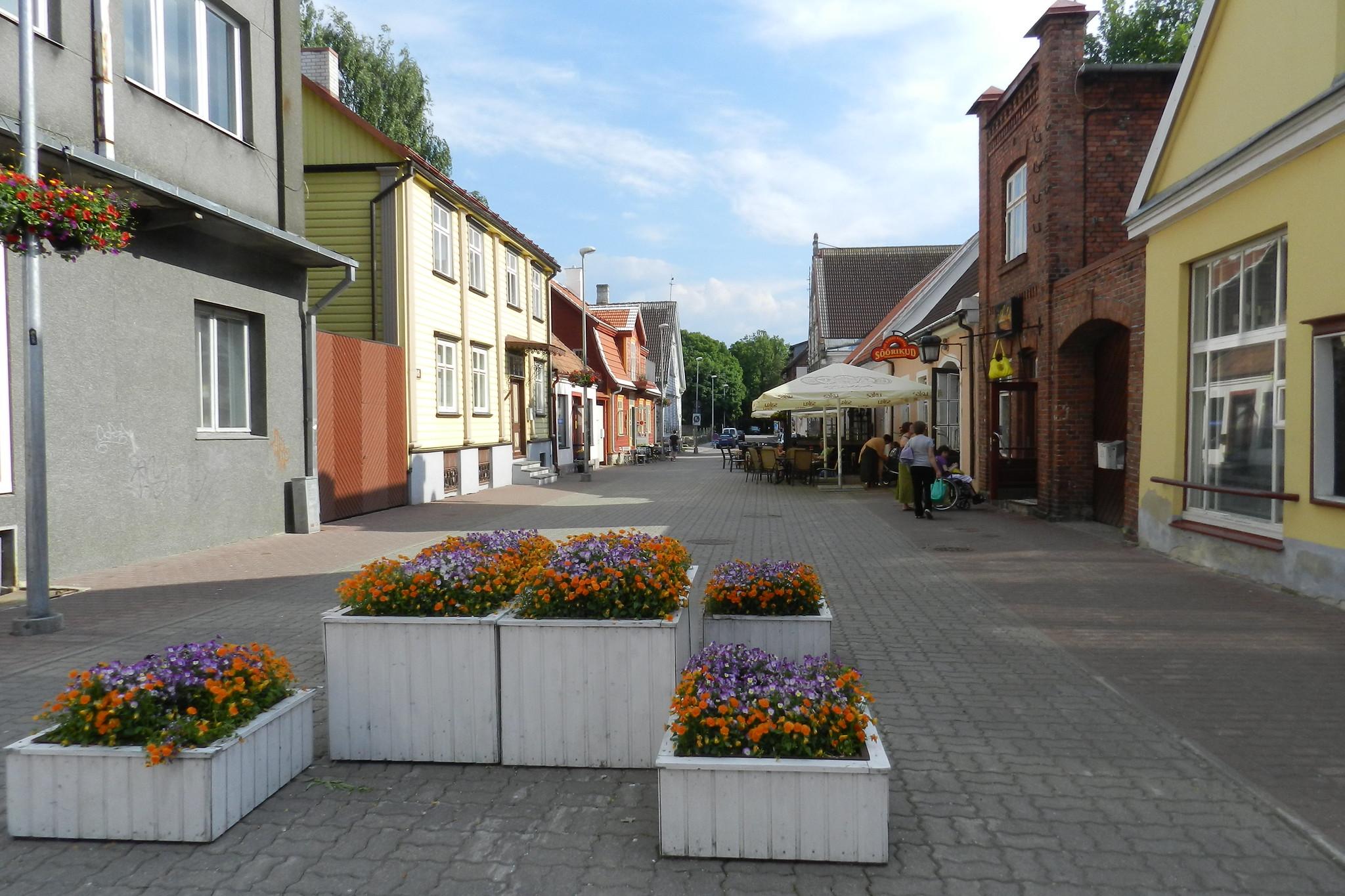 calle peatonal en Parnu Estonia