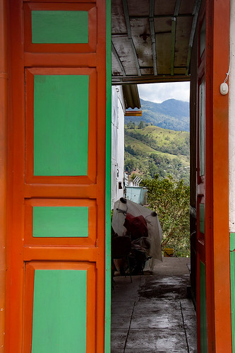 salento colombia doors colors green orange leaningladder canon 7d