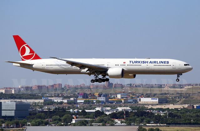 Boeing 777-3F2ER (TC-JJM) 15.5.2015