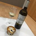 今夜は🍷ムートンカデの白とハーゲンダッツのジャポネ和栗あずきをいただきま〜す😁 #ワイン#wine#ムートンカデ#レゼルブ #フランス#France#リーデル#riedel #ボルドー#ブラン#Bordeaux#おうちワイン #ハーゲンダッツ#ジャポネ#和栗あずき