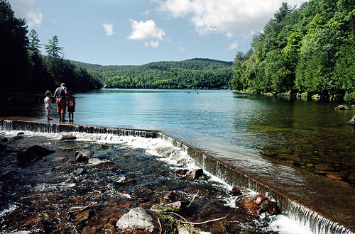 park water landscape kodak outdoor ottawa gatineau portra nikonfa meechlake 28mmf28ai