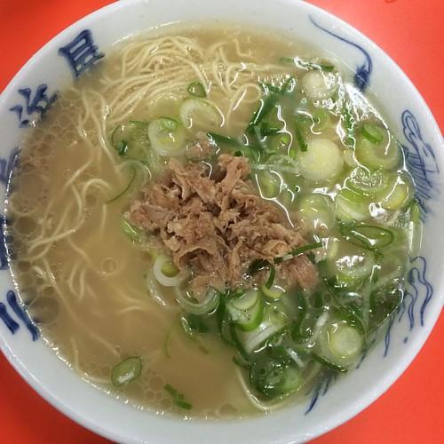 ラーメン at 元祖 長浜屋 | by y_ogagaga