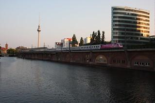 The combined EC 41 and EN 447 Jan Kiepura approaching Berlin Ostbahnhof