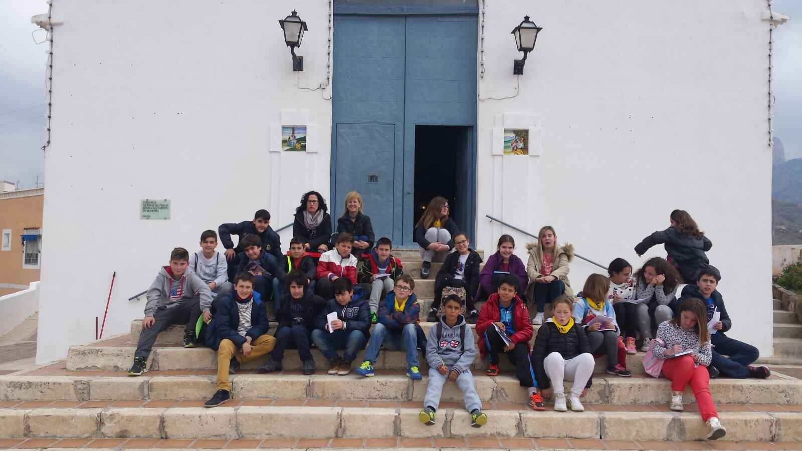 (2016-03-18) - aVisita ermita alumnos Pilar, profesora religión 9´Octubre - María Isabel Berenguer Brotons (03)