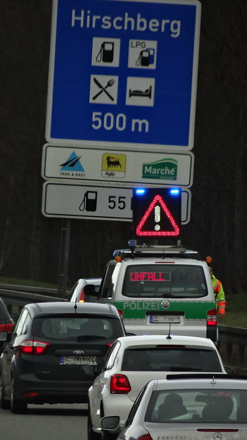 Sie planen eine Reise nach Östereich? Egal ob eine Städtereise, Kurzurlaub oder Wochenendreise nach Tirol, ich suche jemanden, der etwas mutiger ist. Jemand, der seinen Ängsten gegenübersteht, anstatt wegzulaufen 03638