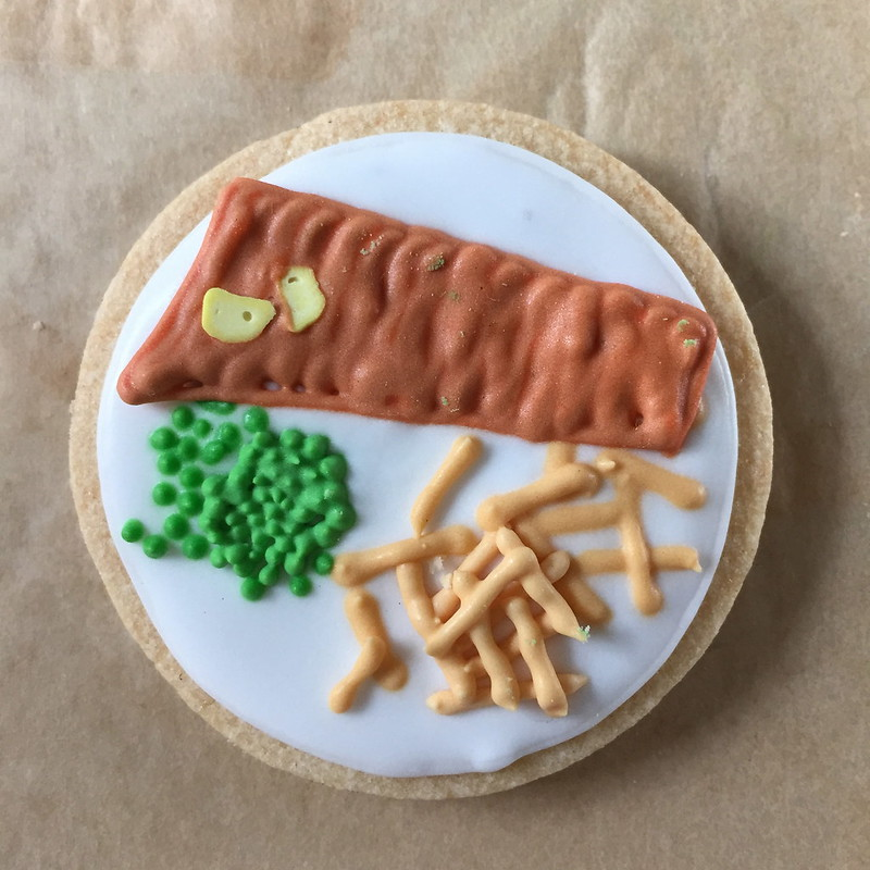 Mini fish and chips biscuit