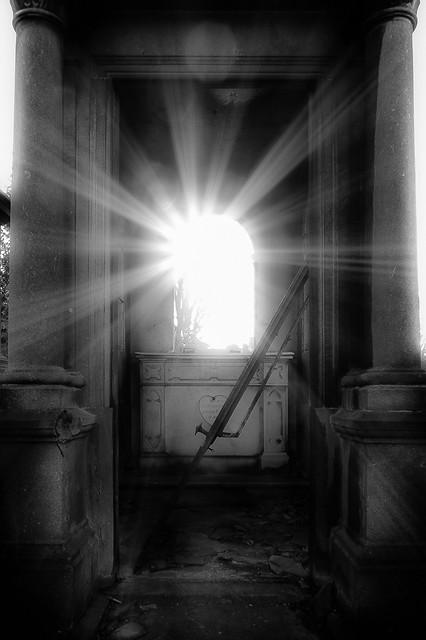 Light for peace (cemetery Laken - Brussels - Belgium)
