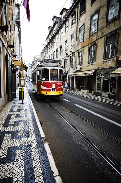 Lisboa Lisbonne tramway Coke - atana studio