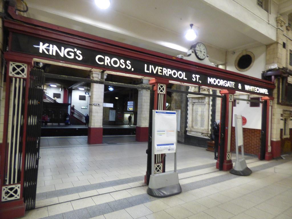 Baker Street Underground Station - Hammersmith & City, Cir
