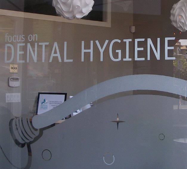 Focus on Dental etch glass or plexi