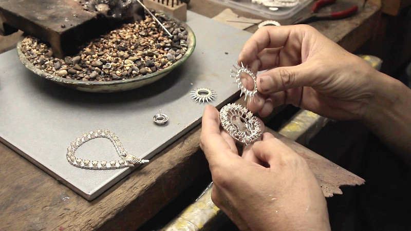 GRANDMOTHER'S PERANAKAN BROOCH • Jeweler Shows How to Make • George Town • MALAYSIA-13