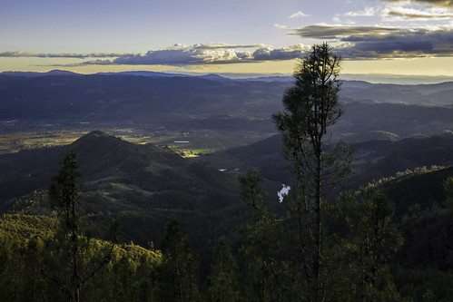 california blue sunset sky mountain tree clouds evening afternoon calistoga napavalley napa overlook winecountry mountsthelena mountsainthelena mtsthelena