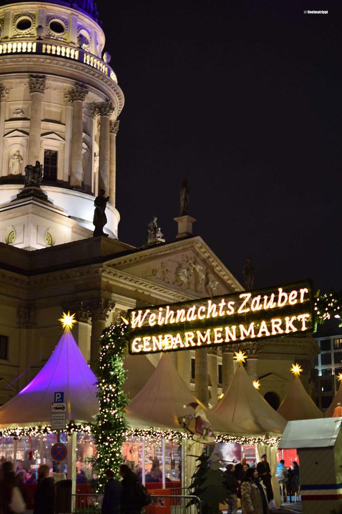Gendarmenmarktin joulumarkkinoiden valoja