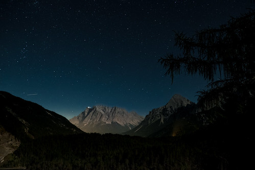 The Zugspitze under the stars | by R.Halfpaap