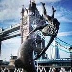 Fountain, Tower Bridge