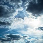 空、雲広がる